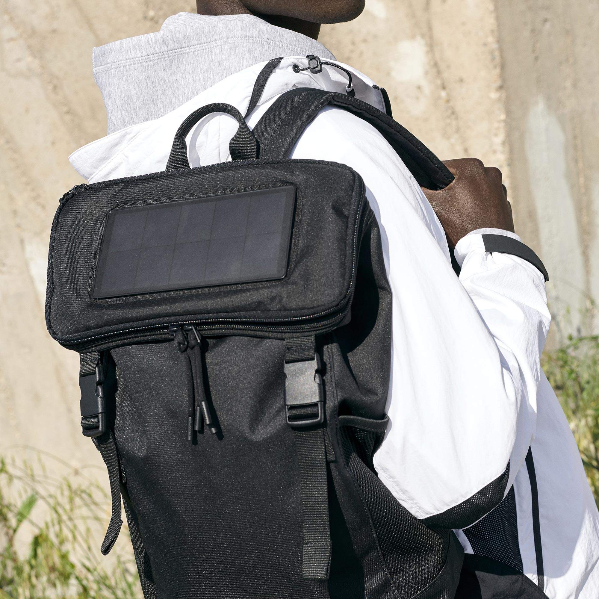 Infini-T Solar Charger Backpack