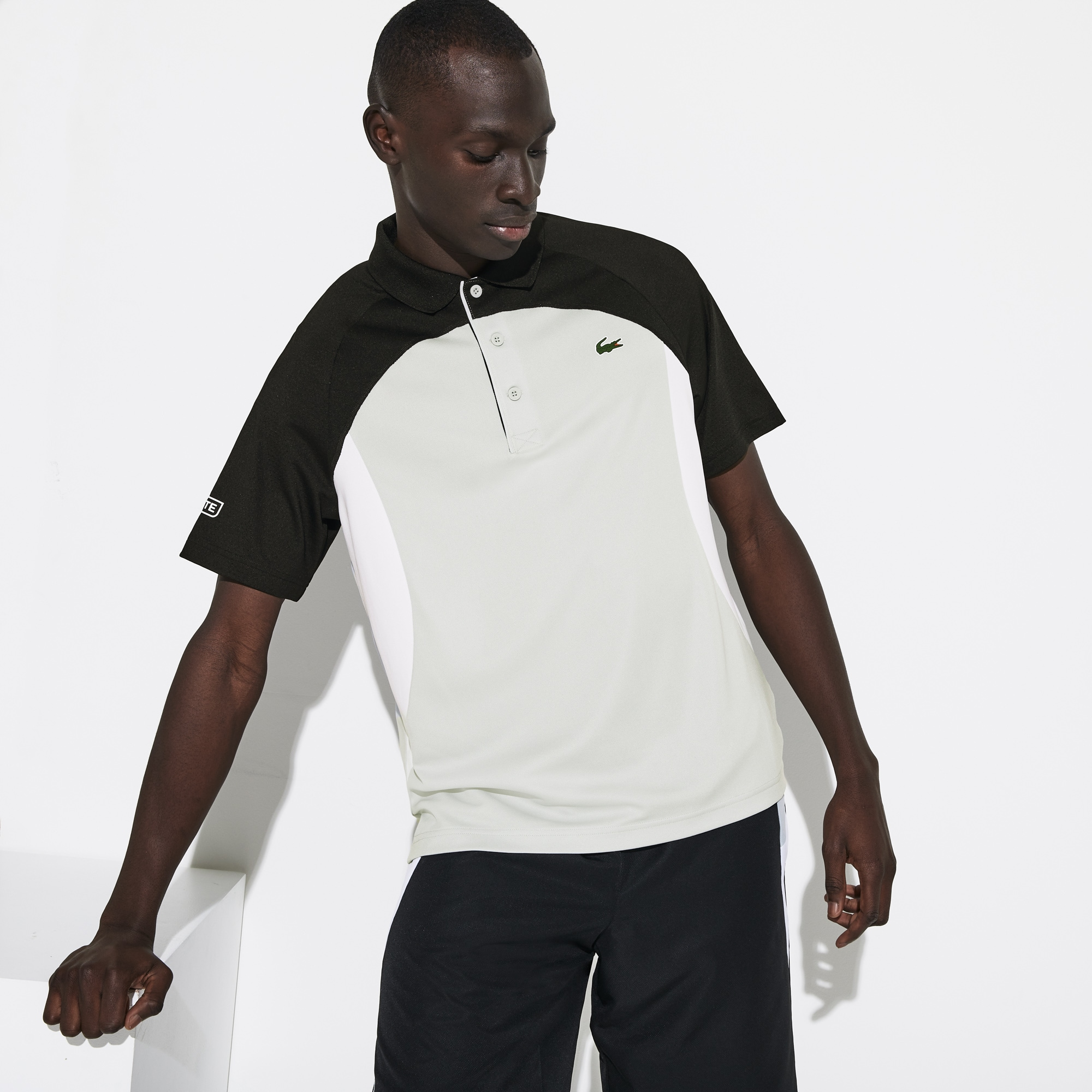 라코스테 Lacoste Mens SPORT Colorblock Breathable Pique Tennis Polo Shirt,Black / Light Grey / White - RWR