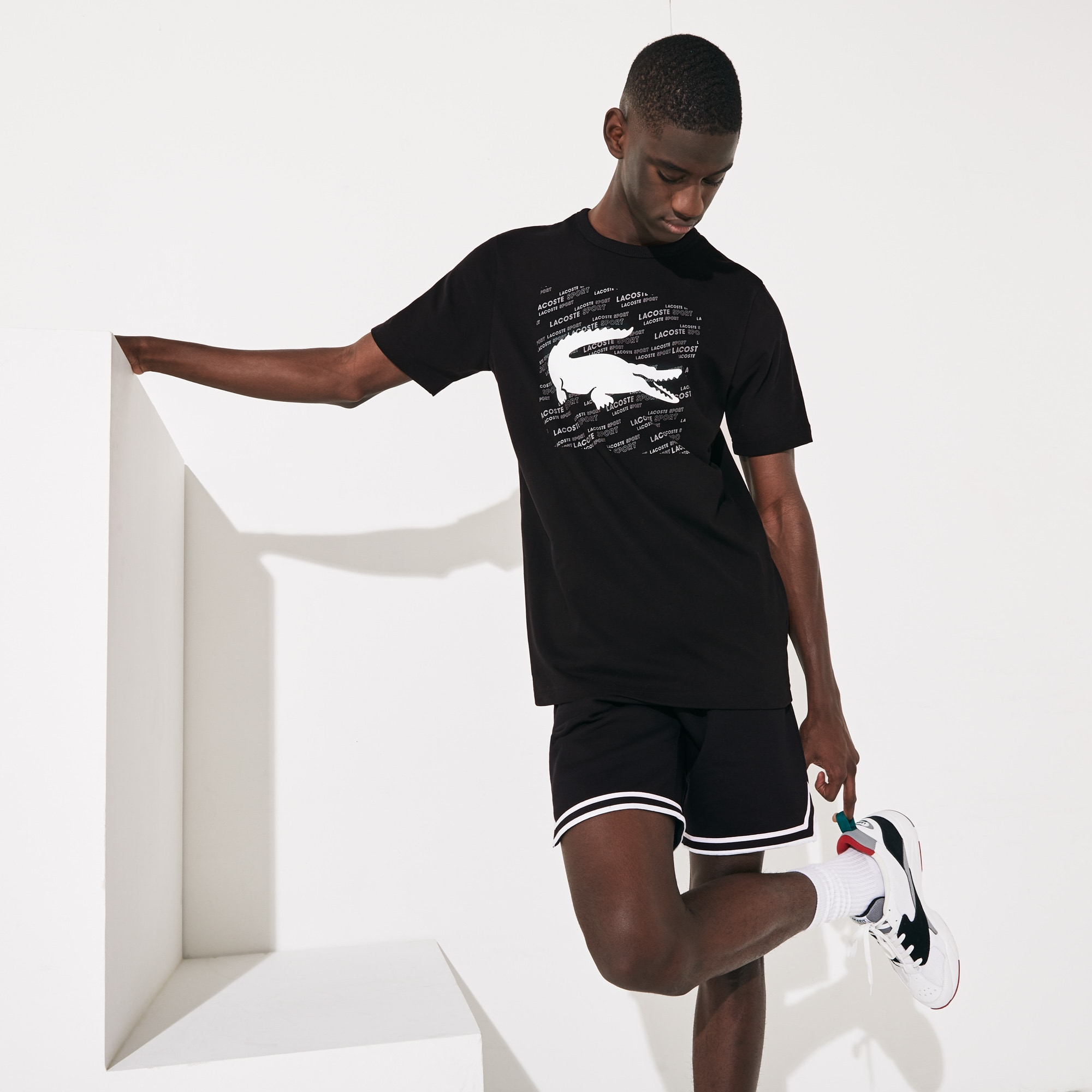 라코스테 스포츠 반팔티 Lacoste Mens SPORT Reflective Logo-Print Cotton T-Shirt,Black / White - 258